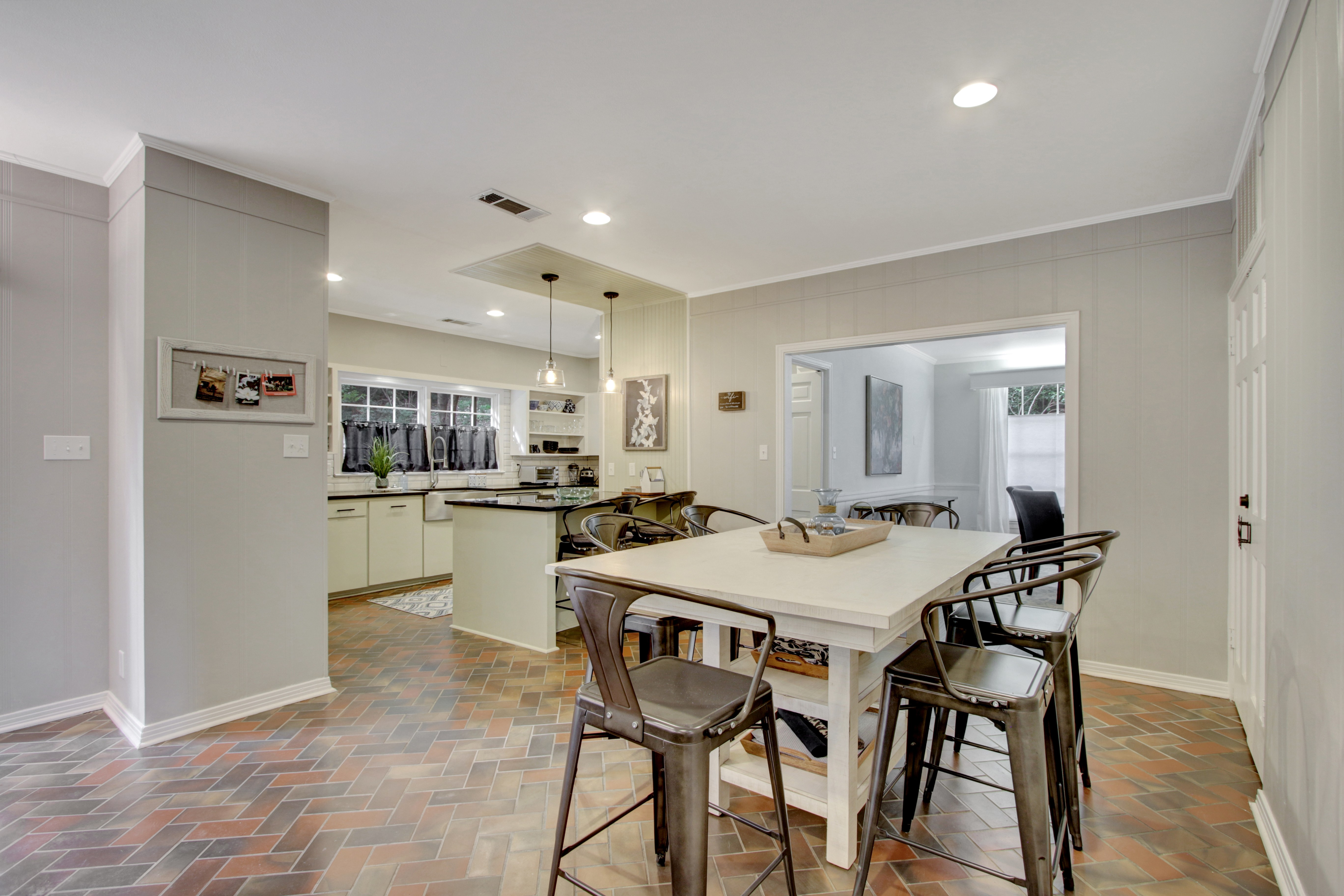 Breakfast room and kitchen