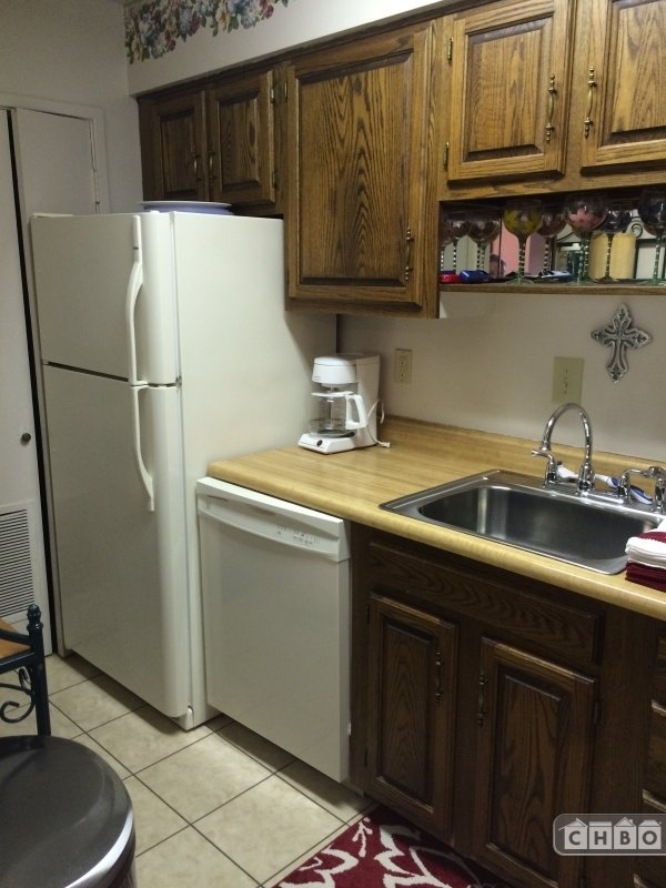 Kitchen with Dishwasher and Ice Maker