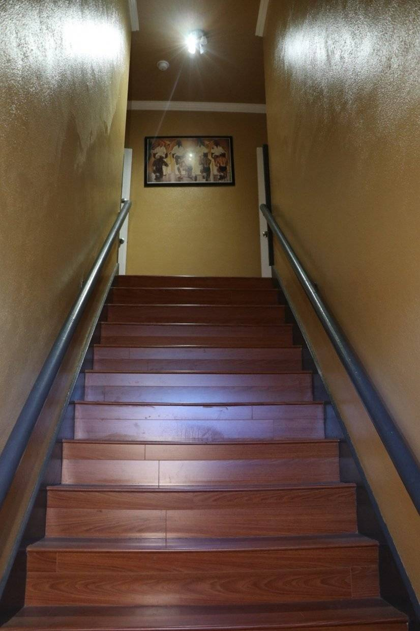 image 2 furnished 1 bedroom Townhouse for rent in Leimert Park, South Los Angeles