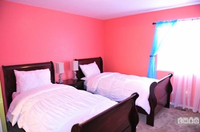 image 10 furnished 3 bedroom House for rent in Gateway, Denver Northeast