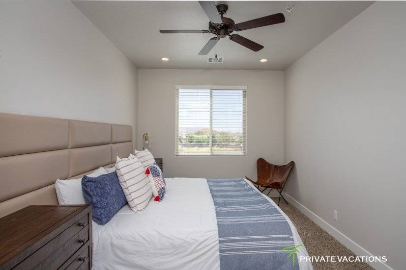 image 12 furnished 5 bedroom Townhouse for rent in Washingston, Washington (St. George)
