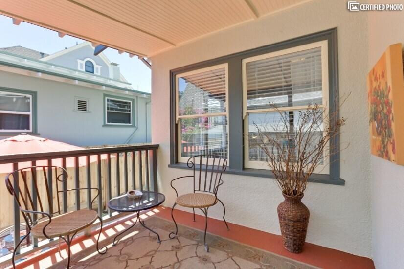 image 2 furnished 2 bedroom House for rent in Alameda, Alameda County