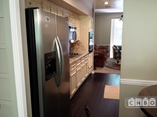 image 2 furnished 4 bedroom Townhouse for rent in Sandy Springs, Fulton County