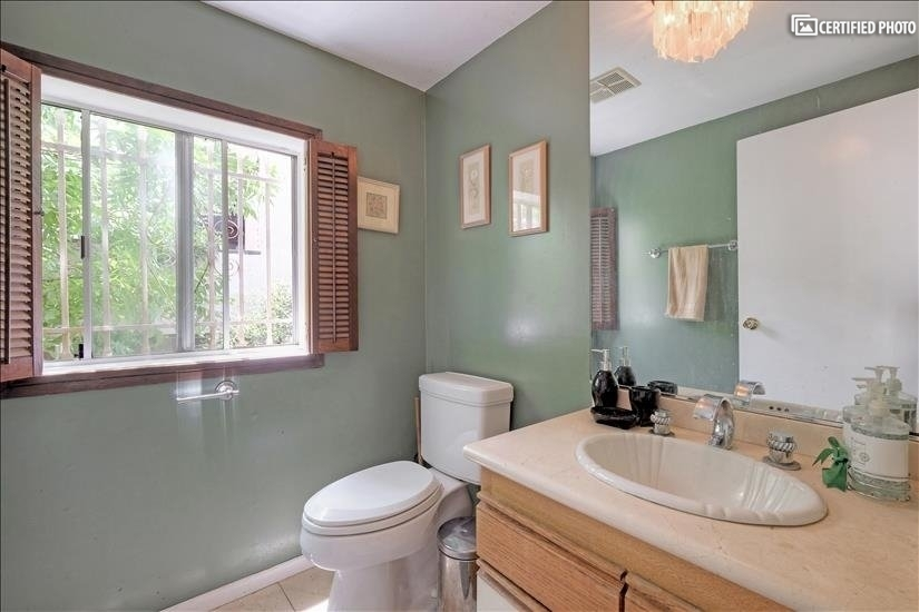 image 7 furnished 3 bedroom House for rent in Griffith Park - Los Feliz, Metro Los Angeles