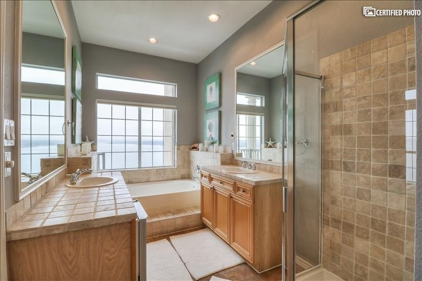 Master suite bathroom with Jetted Tub and view to the lake