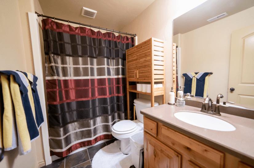 Bathroom 2, downstairs