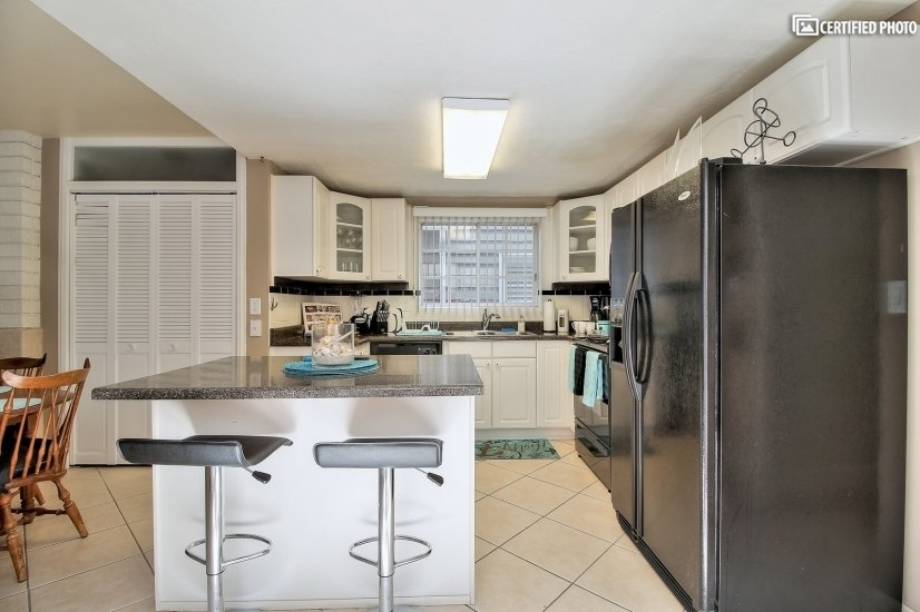 image 10 furnished 3 bedroom Townhouse for rent in Newport Beach, Orange County