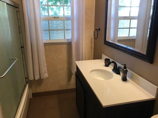 Bath and Shower/Tub