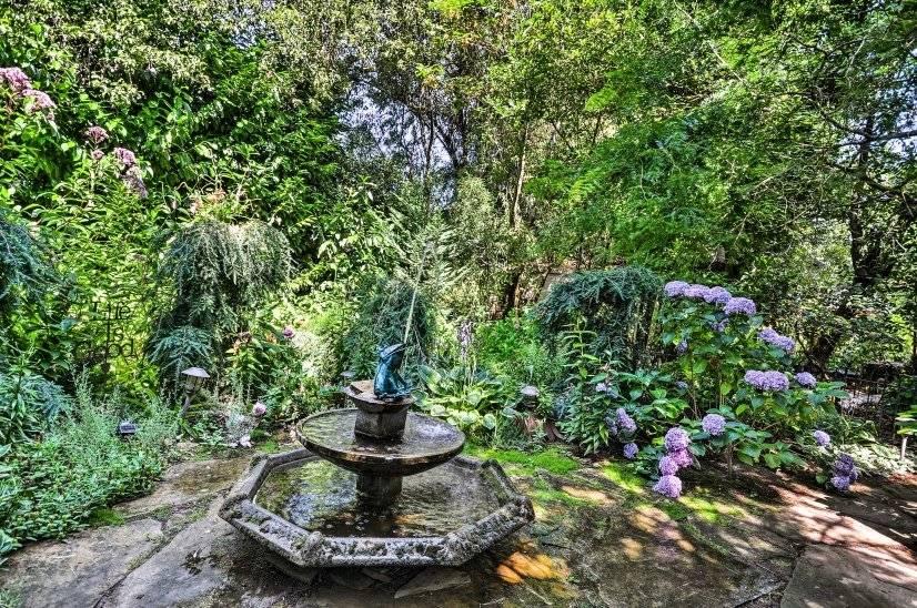 Private garden with fountain