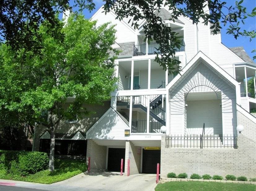 image 13 furnished 1 bedroom Townhouse for rent in Lower Greenville, Dallas
