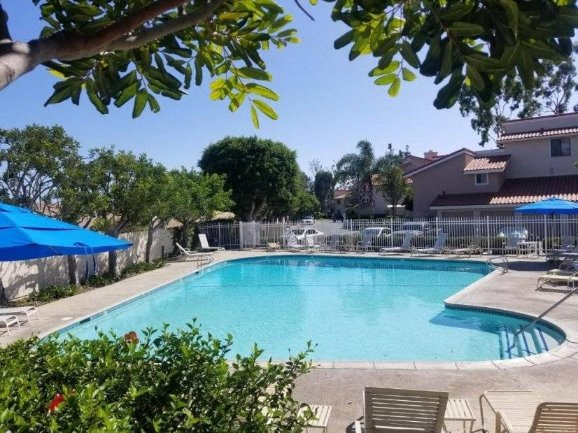image 10 furnished 1 bedroom Townhouse for rent in Huntington Beach, Orange County