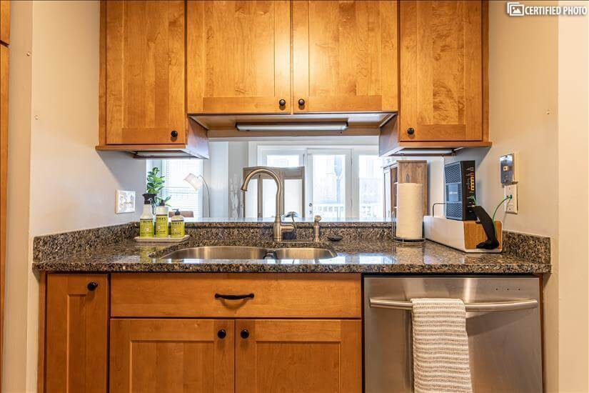 Soft close cabinets and large double stainles