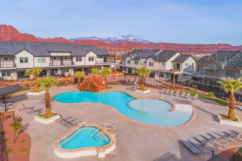 Pool and hot tub with clubhouse lounge and games