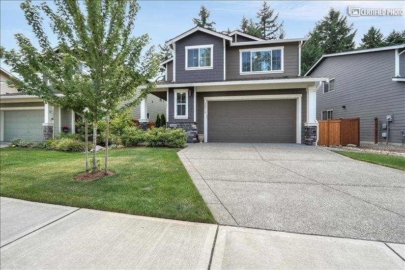 image 2 furnished 4 bedroom House for rent in Puyallup, Seattle Area