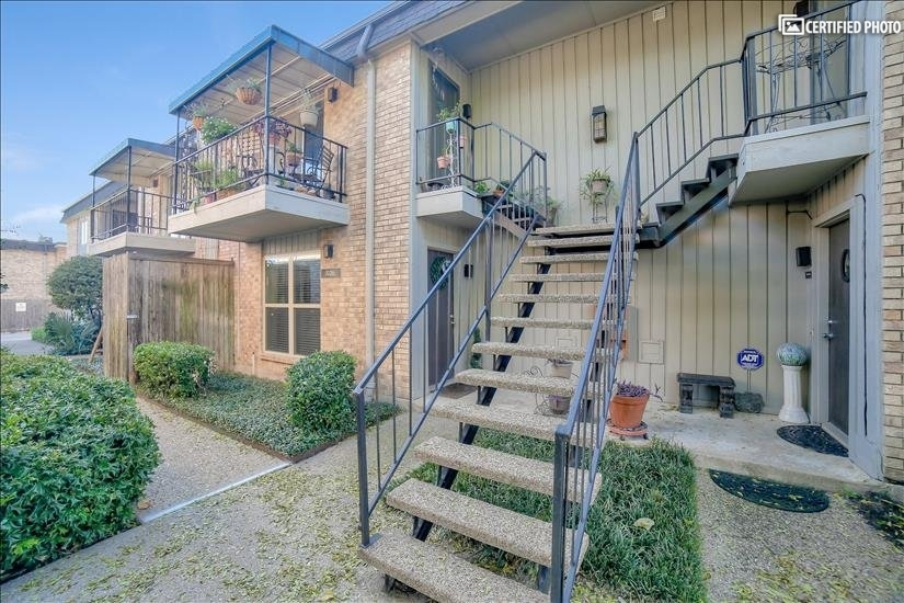 image 4 furnished 1 bedroom Townhouse for rent in Melshire Estates, Dallas