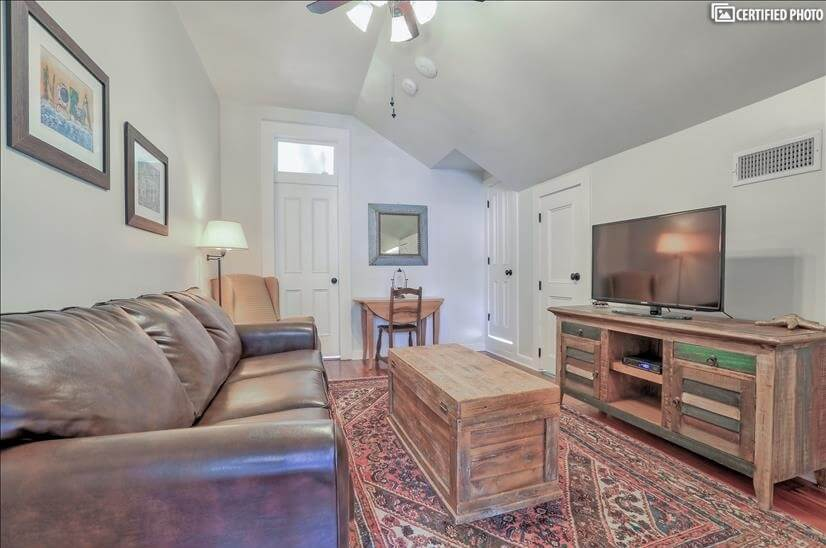 image 2 furnished 1 bedroom Apartment for rent in French Quarter, New Orleans Area