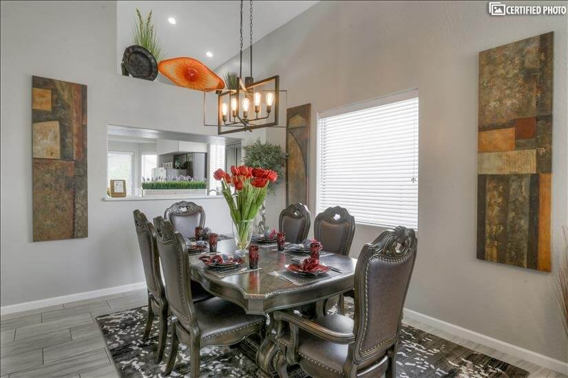 Beautiful dining room for entertaining