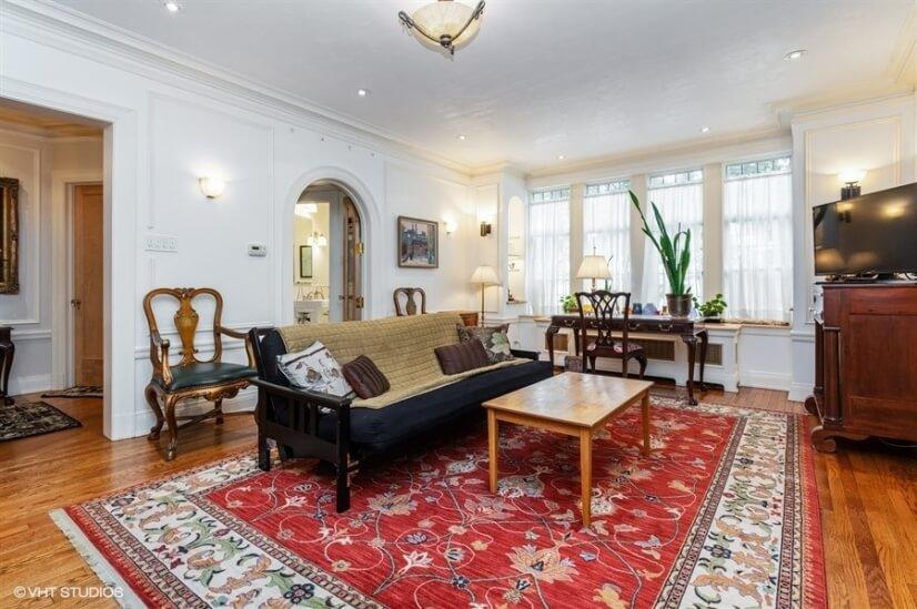D apt Living room