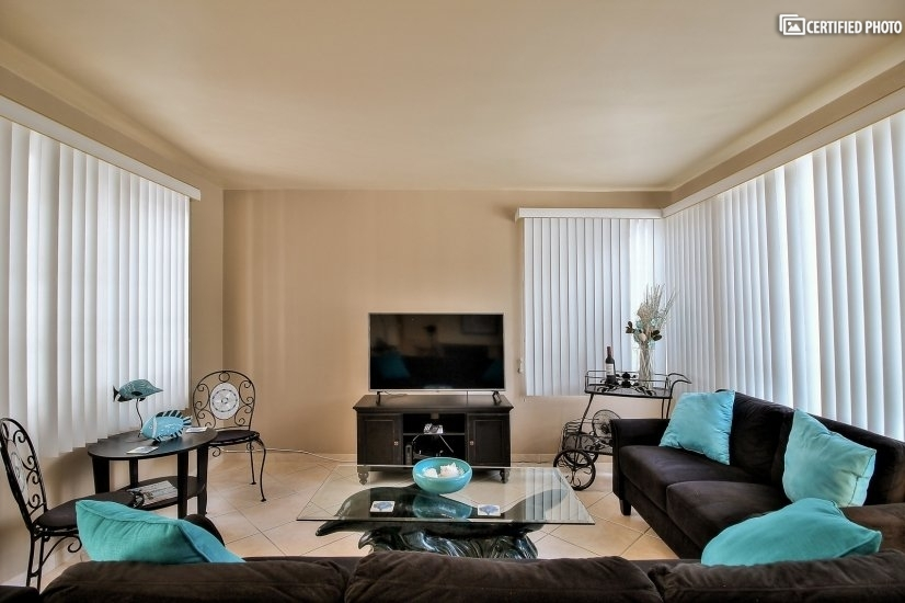 image 4 furnished 3 bedroom Townhouse for rent in Newport Beach, Orange County