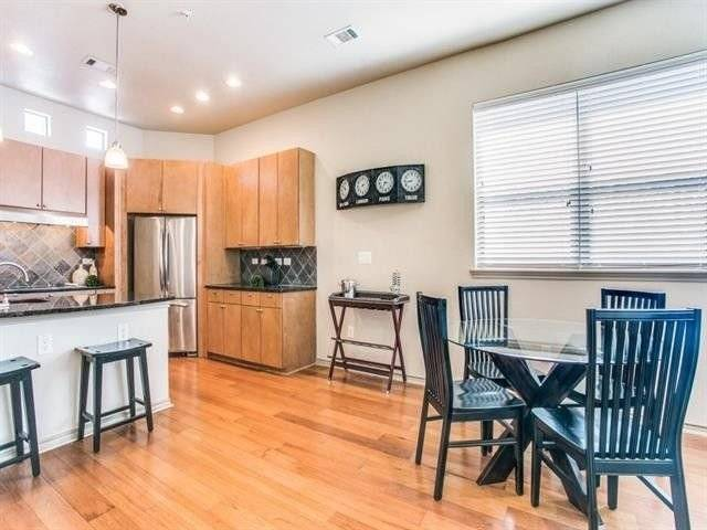 image 3 furnished 2 bedroom Townhouse for rent in Arlington, Tarrant County