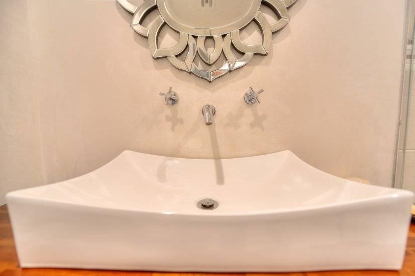 Little bath sink