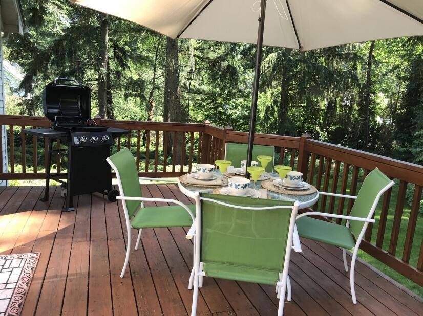 Back deck dinning
