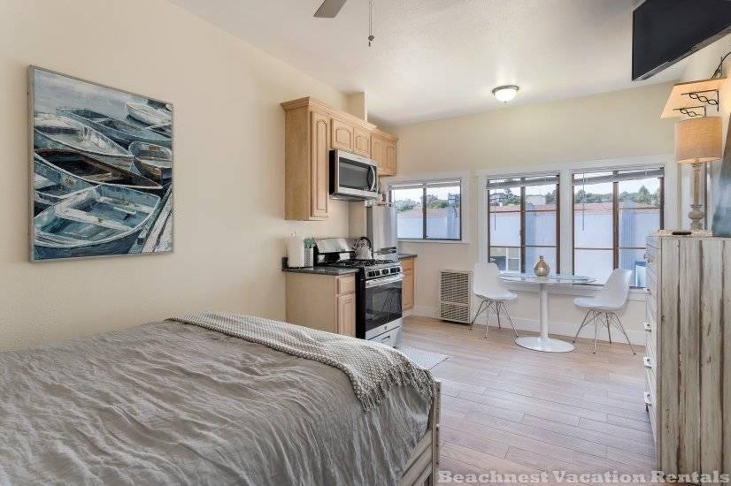image 6 furnished Studio bedroom Apartment for rent in Santa Cruz, Monterey Bay