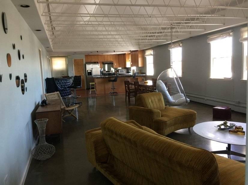 image 2 furnished 3 bedroom Townhouse for rent in Baker, Denver Central