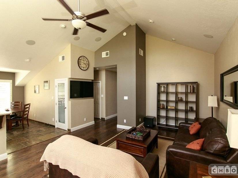 image 9 furnished 8 bedroom House for rent in Napa, Napa Valley