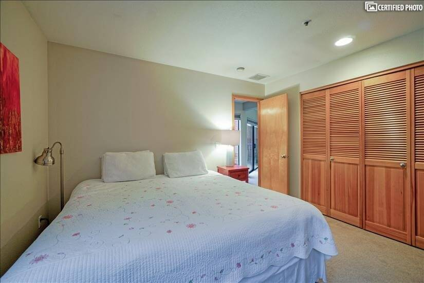 image 18 furnished 2 bedroom Townhouse for rent in Portland Downtown, Portland Area