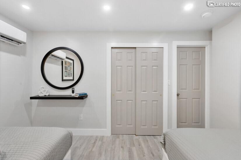 Bedroom 3 Mirror and Closet