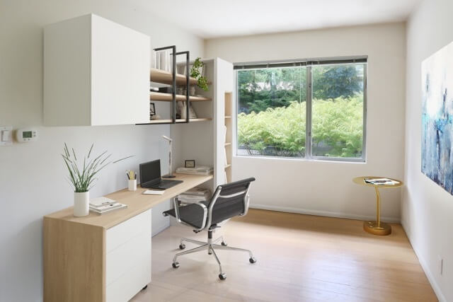West facing office/study can double as a gues