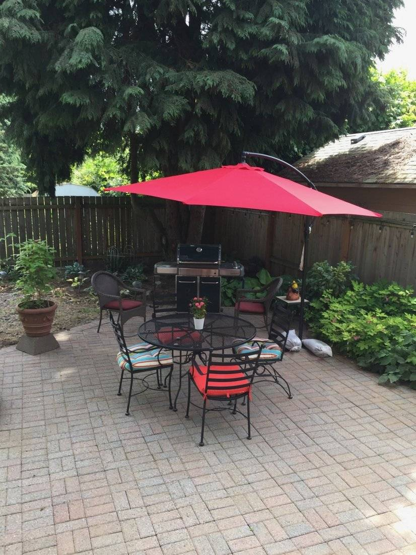 Dining area on the patio.