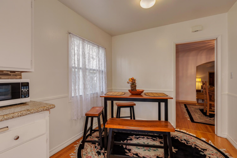 image 6 furnished 3 bedroom Townhouse for rent in Mid City, Metro Los Angeles