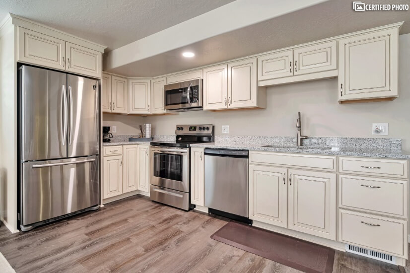 Downstairs Kitchen - Electric Stove, Dishwasher & Microwave