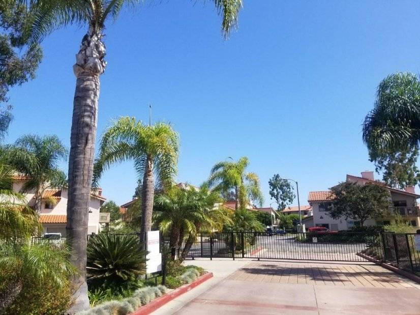 image 12 furnished 1 bedroom Townhouse for rent in Huntington Beach, Orange County