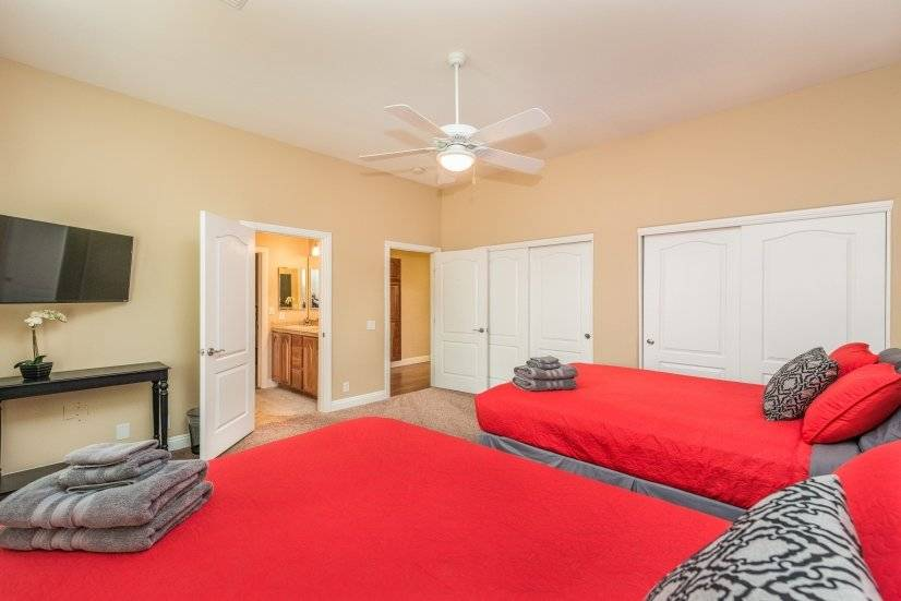 image 8 furnished 5 bedroom House for rent in Spring Valley, Las Vegas Area