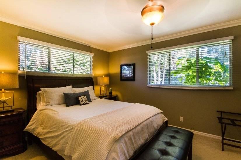 Master Bedroom, Queen Bed, Luxury Linens, Garden View, bench