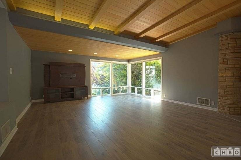 image 2 furnished 3 bedroom House for rent in Beverly Hills, West Los Angeles