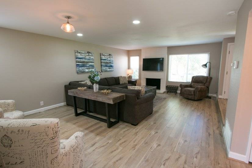 image 2 furnished 4 bedroom Townhouse for rent in Irvine, Orange County
