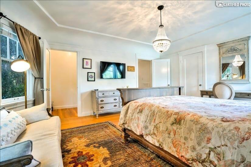 large queen bedroom
