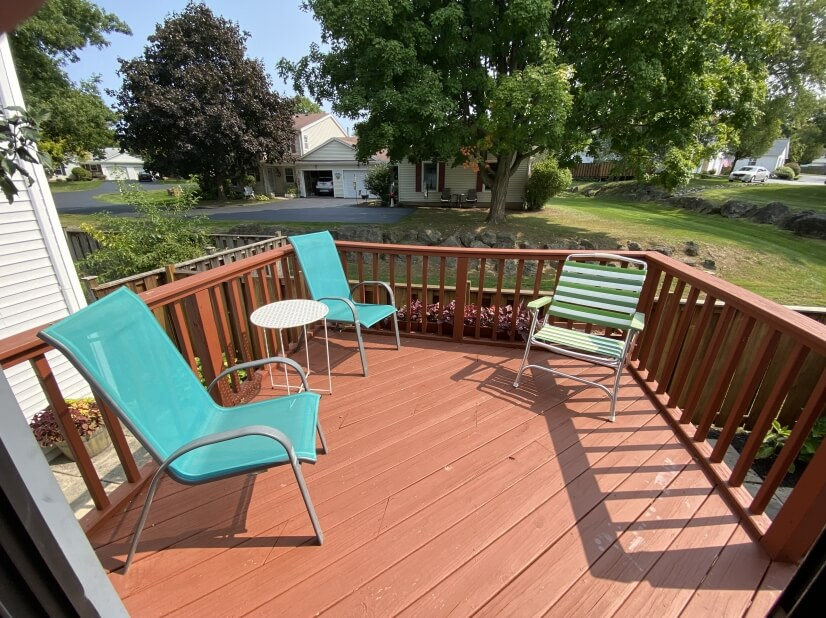 Upper deck for relaxing!