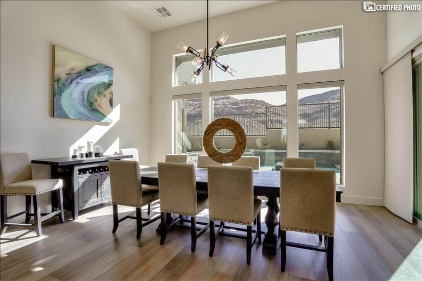 Dining Seats 10, Panoramic Mountain, pool , waterfall views!