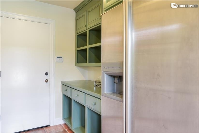 image 8 furnished 3 bedroom Apartment for rent in Menlo Park, San Mateo (Peninsula)