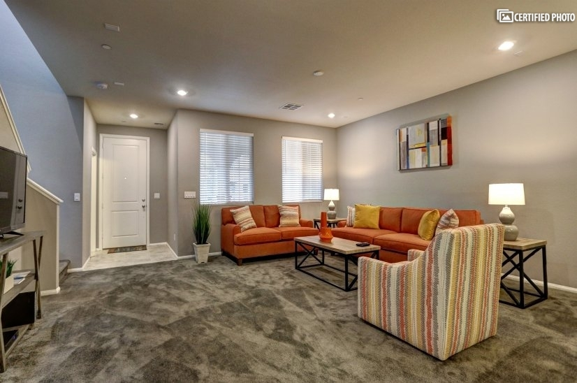 image 5 furnished 3 bedroom Townhouse for rent in Henderson, Las Vegas Area