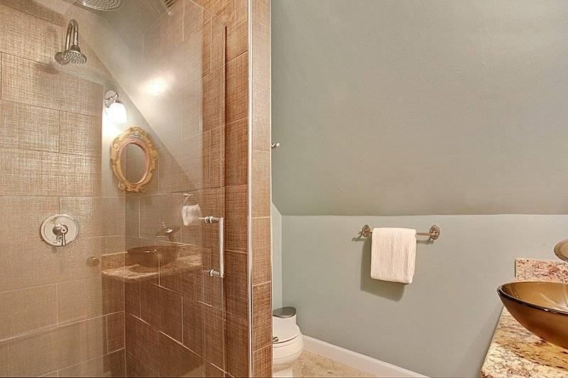 Spa shower with rainhead