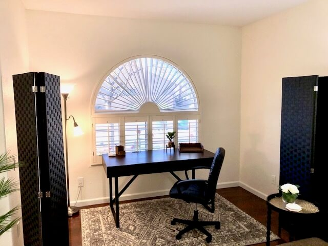 Private Work Area, Executive Desk, Partitions
