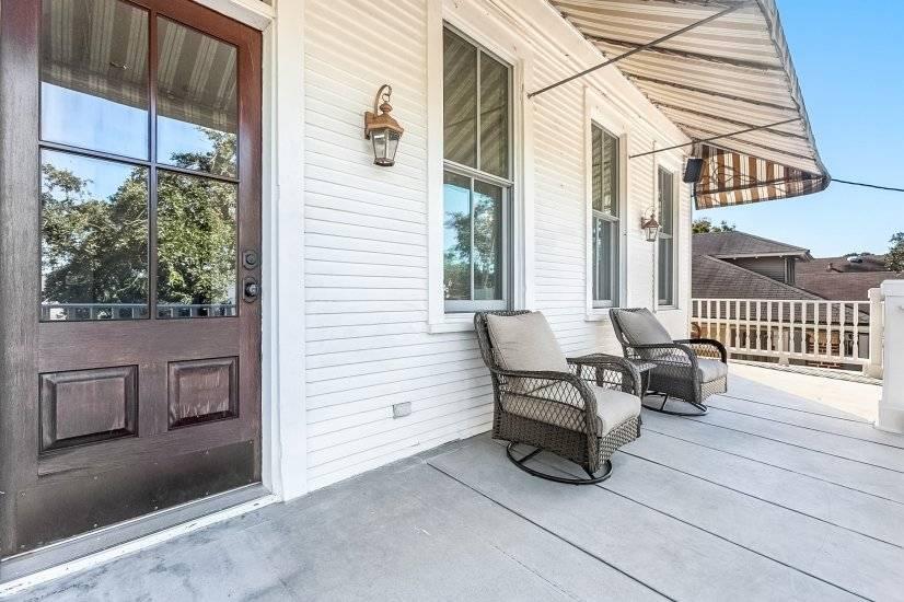 Porch & Balcony