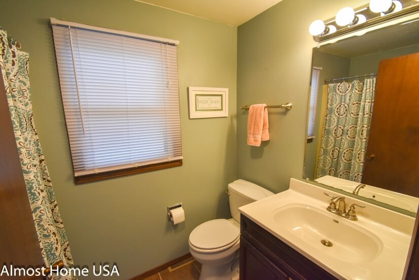 image 9 furnished 3 bedroom Townhouse for rent in Howard, NW Brown County