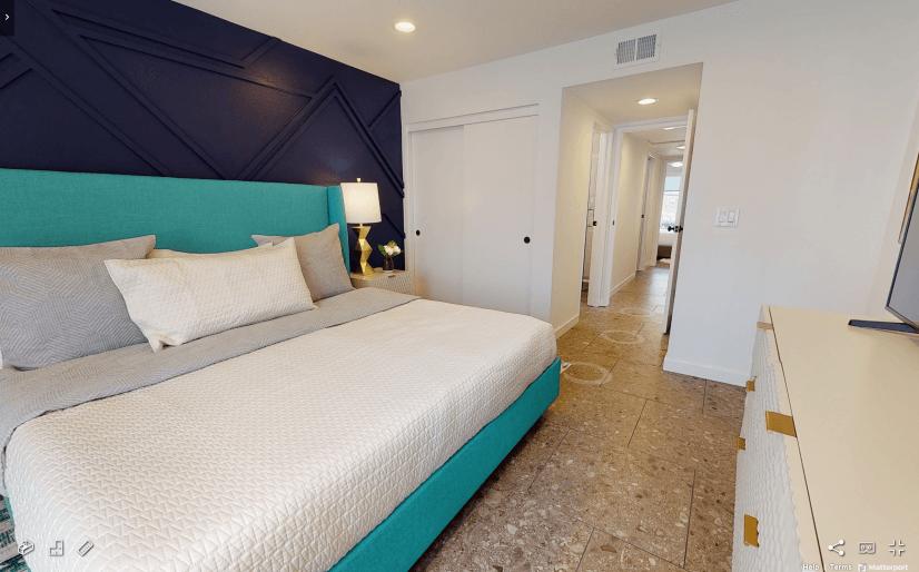 Tierrasanta Furnished Home - Master Bedroom w/ Ensuite Bath